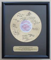 武道館コンサートの共演アーティスト達から、ゴールドディスク風パネルが届きました